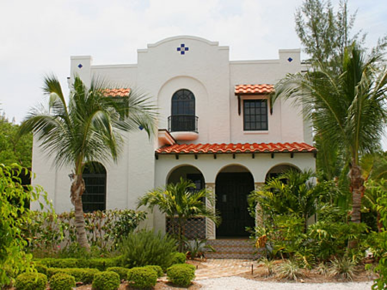 Bhhs select properties architectural styles st louis for Spanish eclectic architecture